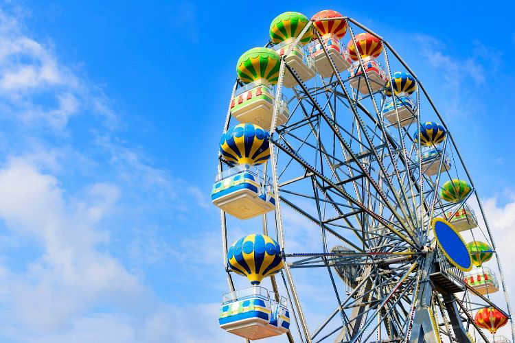 ferris wheel amusement park-multigenerational vacations