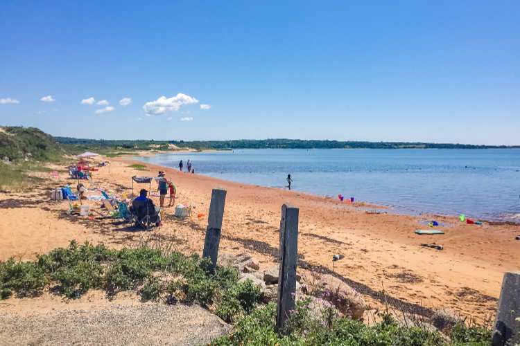 Marthas Vineyard beach vacation for large families