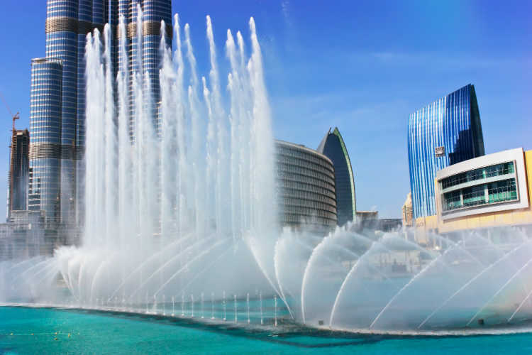 Fountain show in Dubai with kids-Multigenerational Vacations