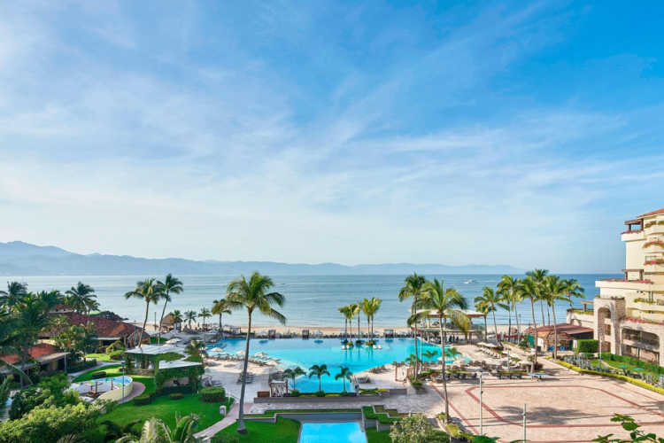 Marriott Puerto Vallarta - Multigenerational Vacations
