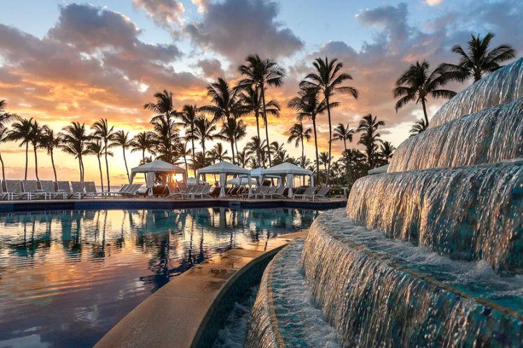 Grand Wailea pool fountain-Multigenerational Vacations