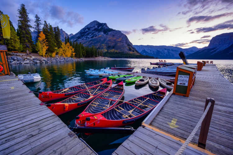 Lake Minnewanka vacation to Banff