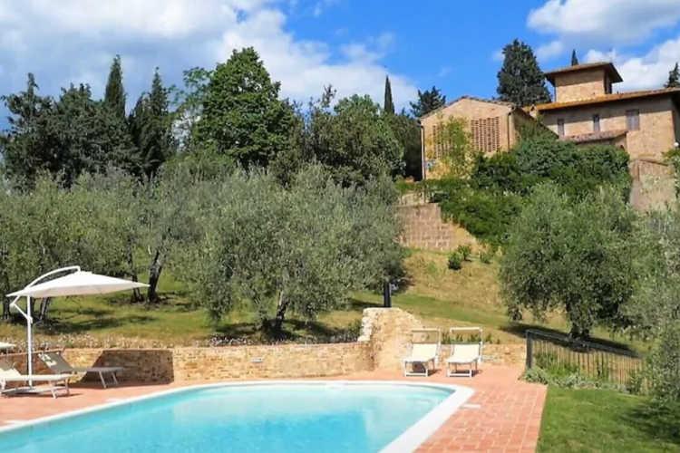 Tuscany villa for a family holiday